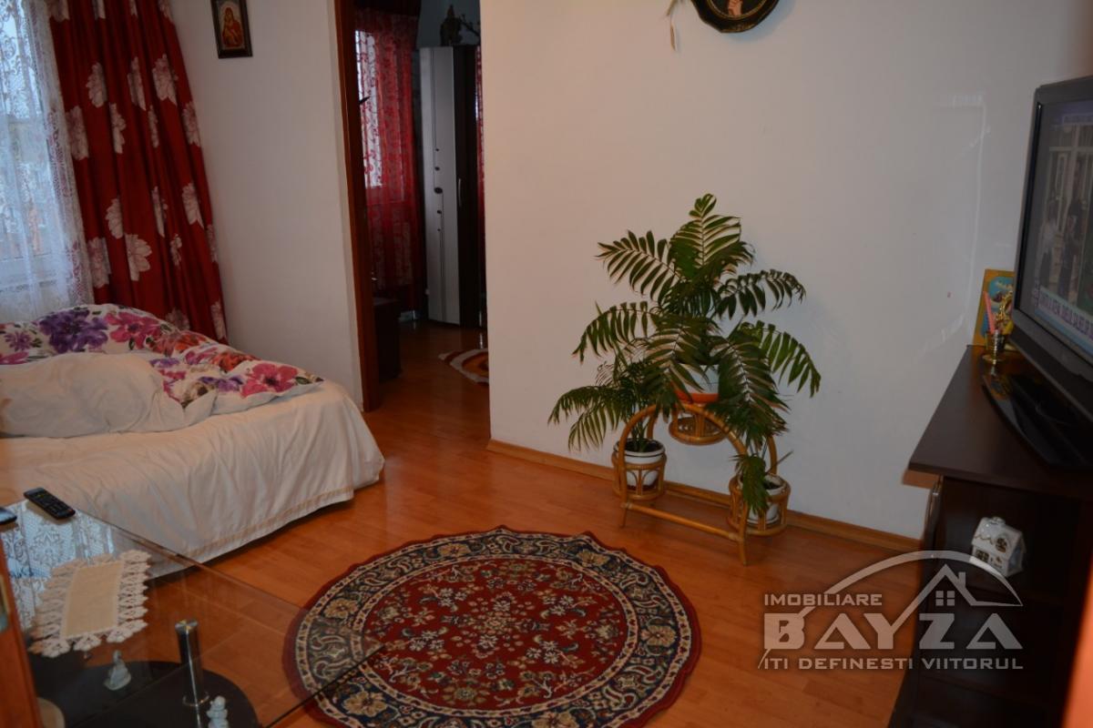 Pret: 33000 EURO, Vanzare apartament 2 camere, zona Neptun