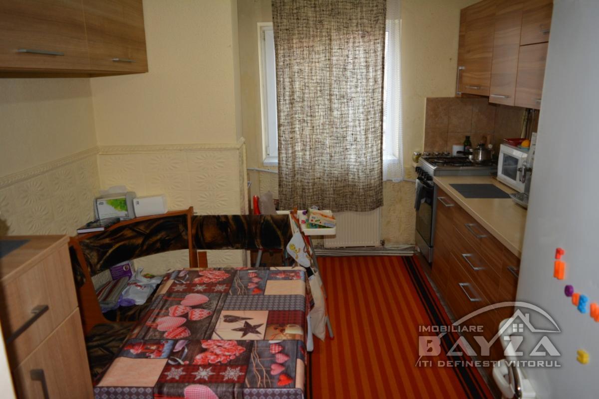 Pret: 53500 EURO, Vanzare apartament 3 camere, zona Pasunii