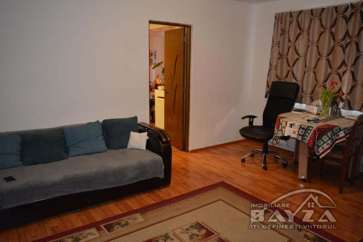 Pret: 47.500 EURO, Vanzare apartament 2 camere, zona Matei Basarab