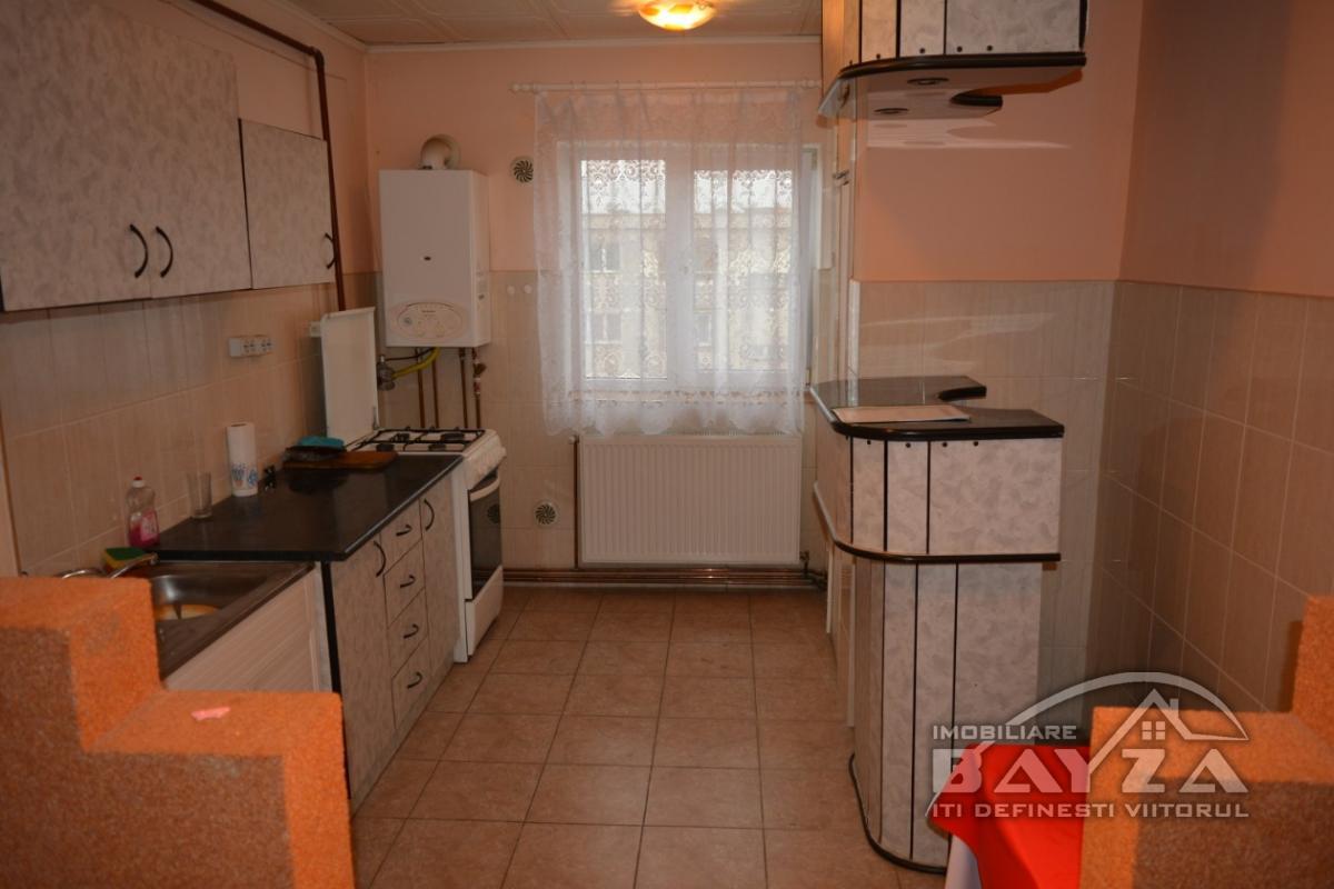 Pret: 40.000 EURO, Vanzare apartament 2 camere, zona Granicerilor