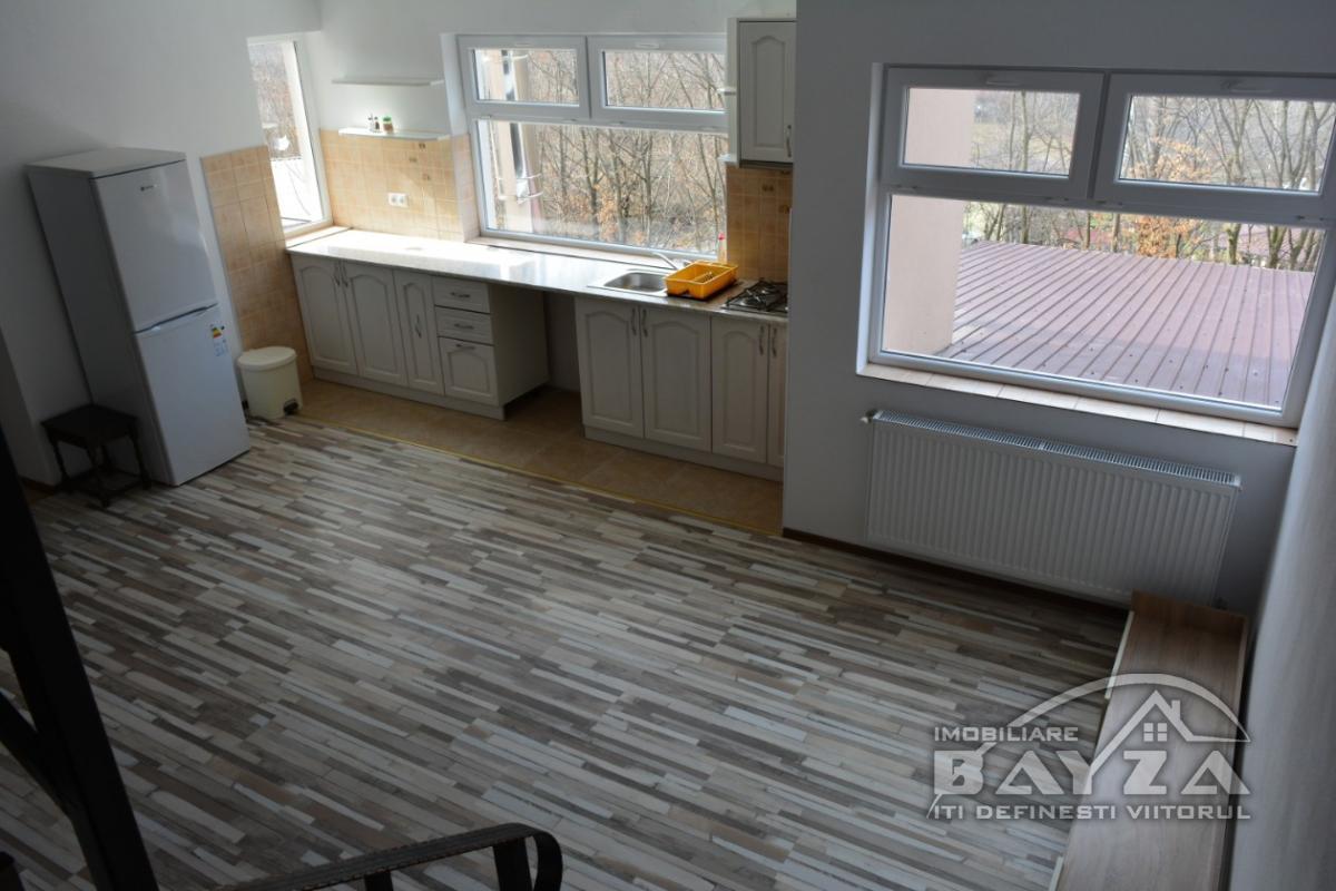 Pret: 72500 EURO, Vanzare apartament 3 camere, zona Electro Sistem