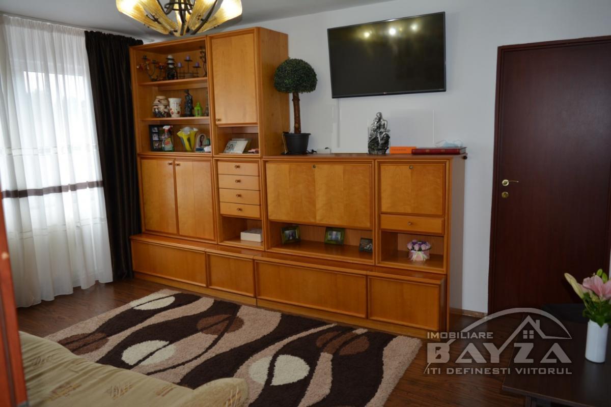 Pret: 36.500 EURO, Vanzare apartament 2 camere, zona Rapsodiei