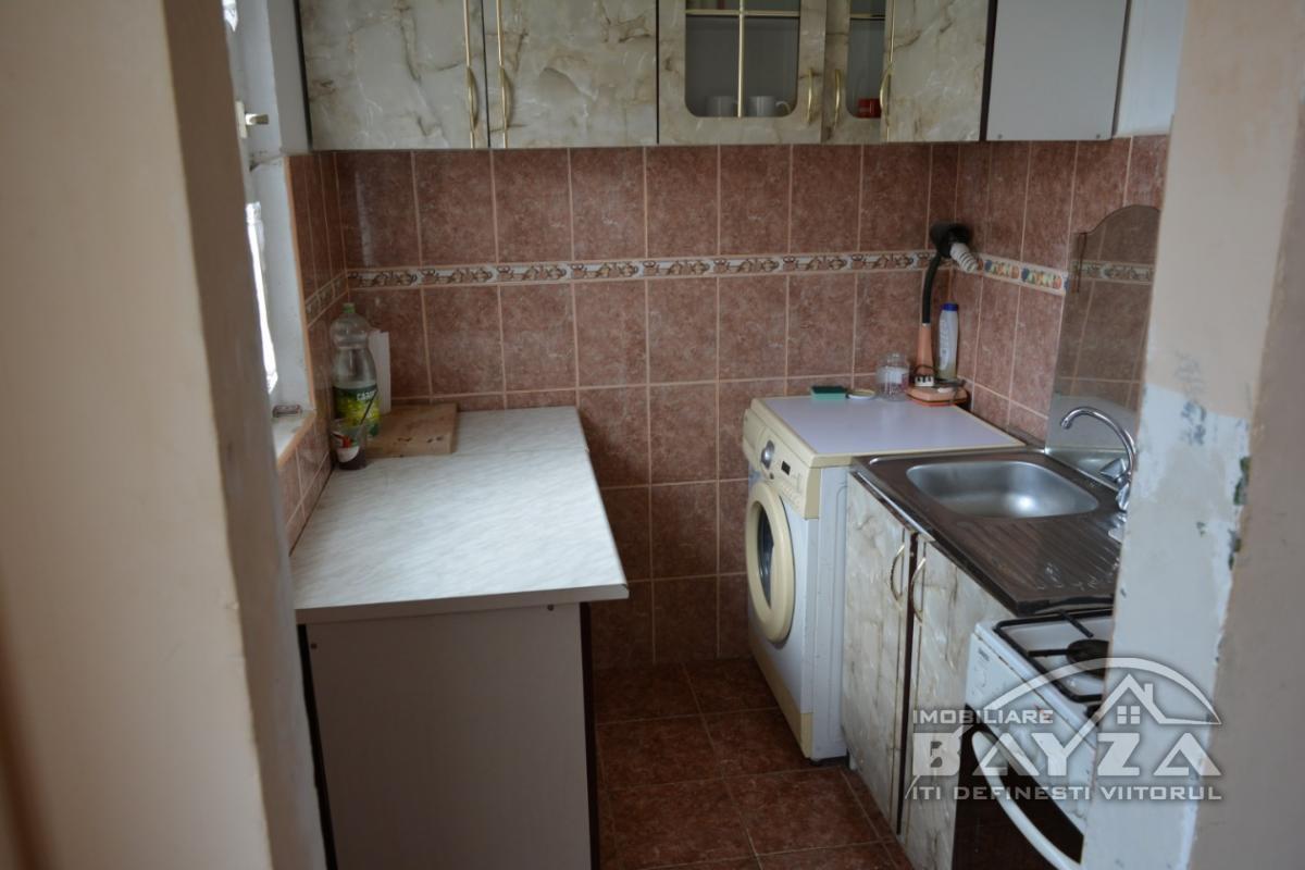 Pret: 17.500 EURO, Vanzare apartament 2 camere, zona Baia Sprie - Microraion Vest