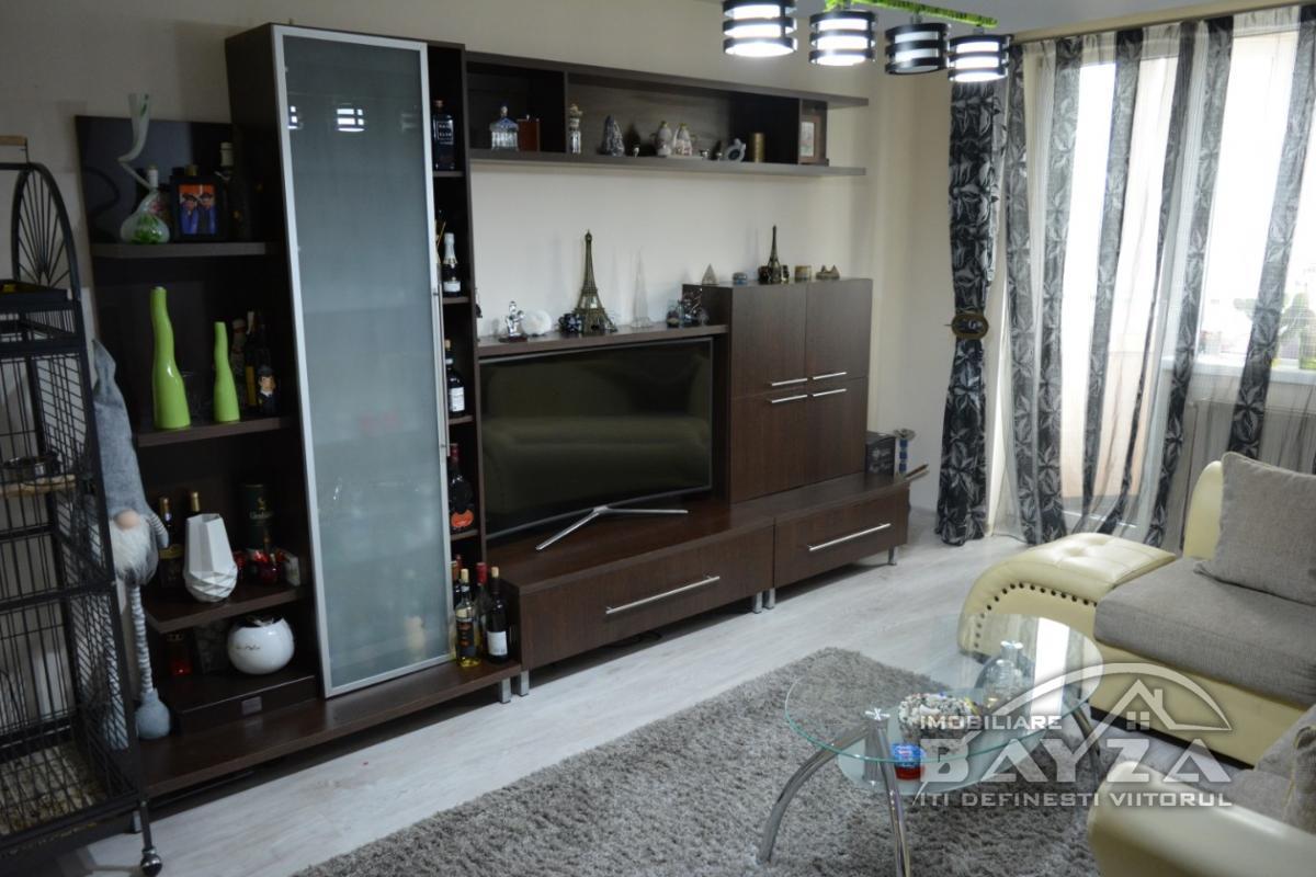 Pret: 46000 EURO, Vanzare apartament 2 camere, zona Aleea Rotunda