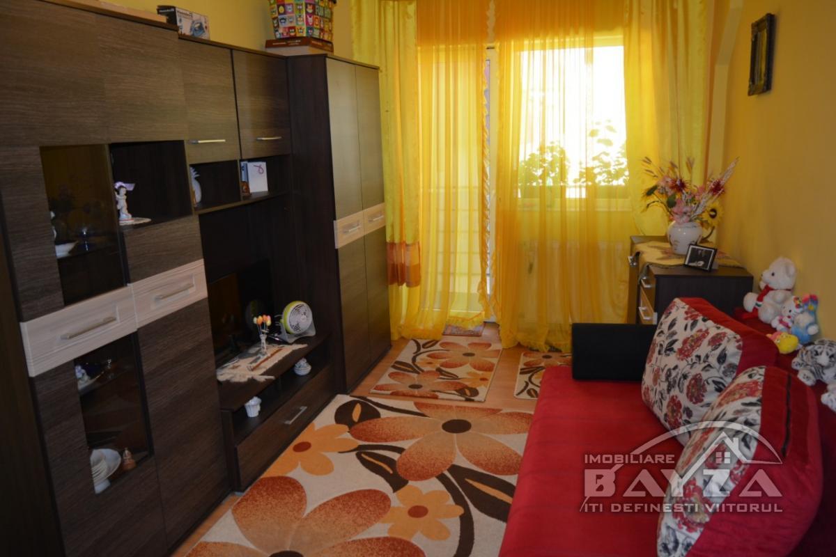 Pret: 43000 EURO, Vanzare apartament 2 camere, zona Victoriei - ''Pronto''