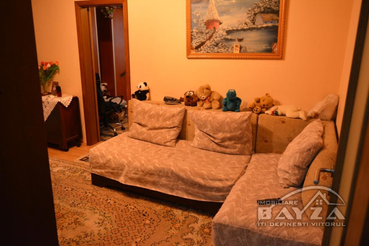 Pret: 43900 EURO, Vanzare apartament 3 camere, zona Neptun