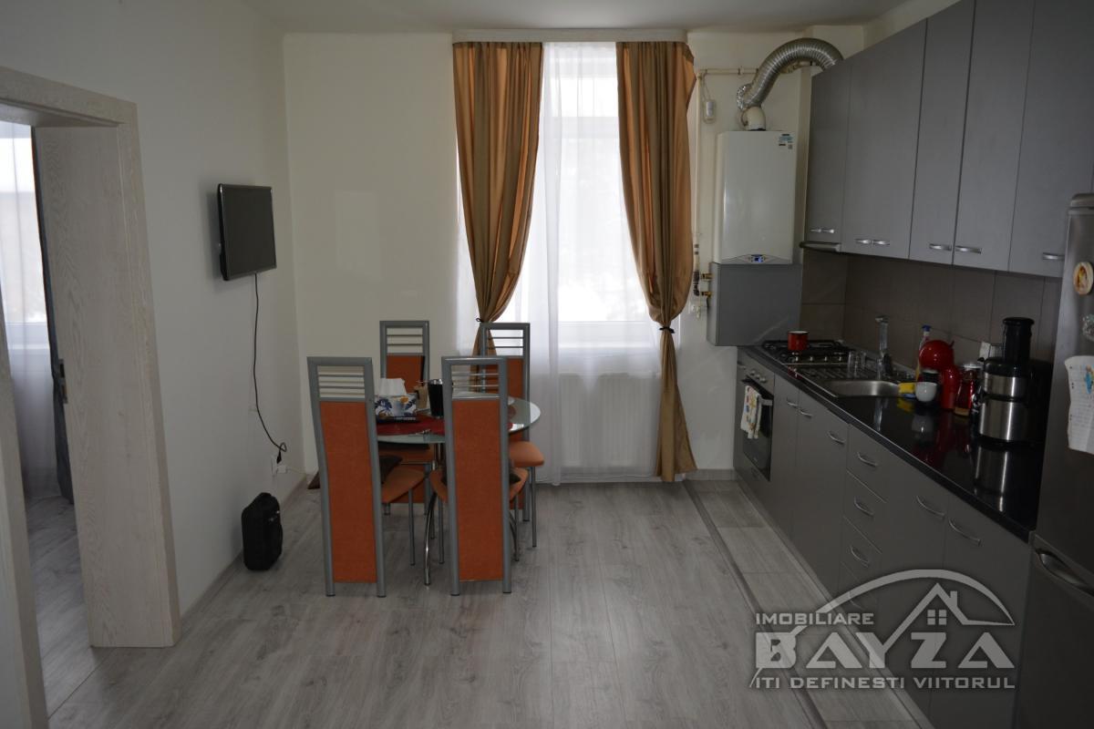 Pret: 45000 EURO, Vanzare apartament 2 camere, zona Ferneziu