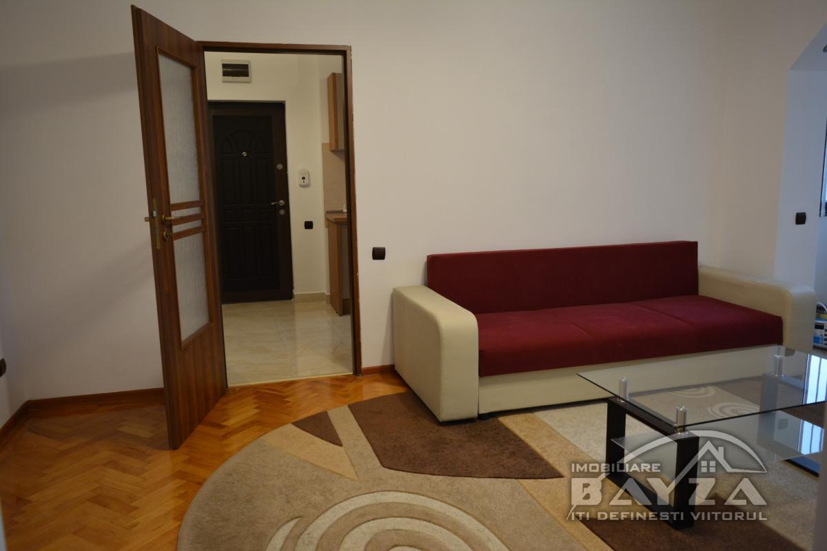 Pret: 280 EURO, Inchiriere apartament 2 camere, zona George Cosbuc intersectia cu Bulevardul Unirii