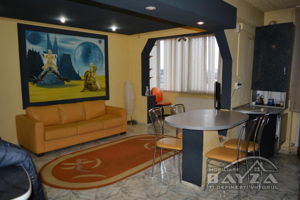 Pret: 270 EURO, Inchiriere apartament 2 camere, zona Unirii - McDonald's