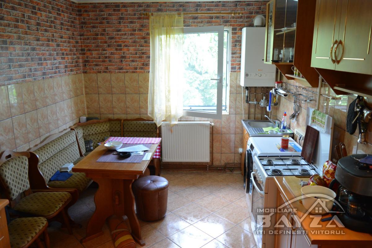 Pret: 50.500 EURO, Vanzare apartament 2 camere, zona Ciprian Porumbescu
