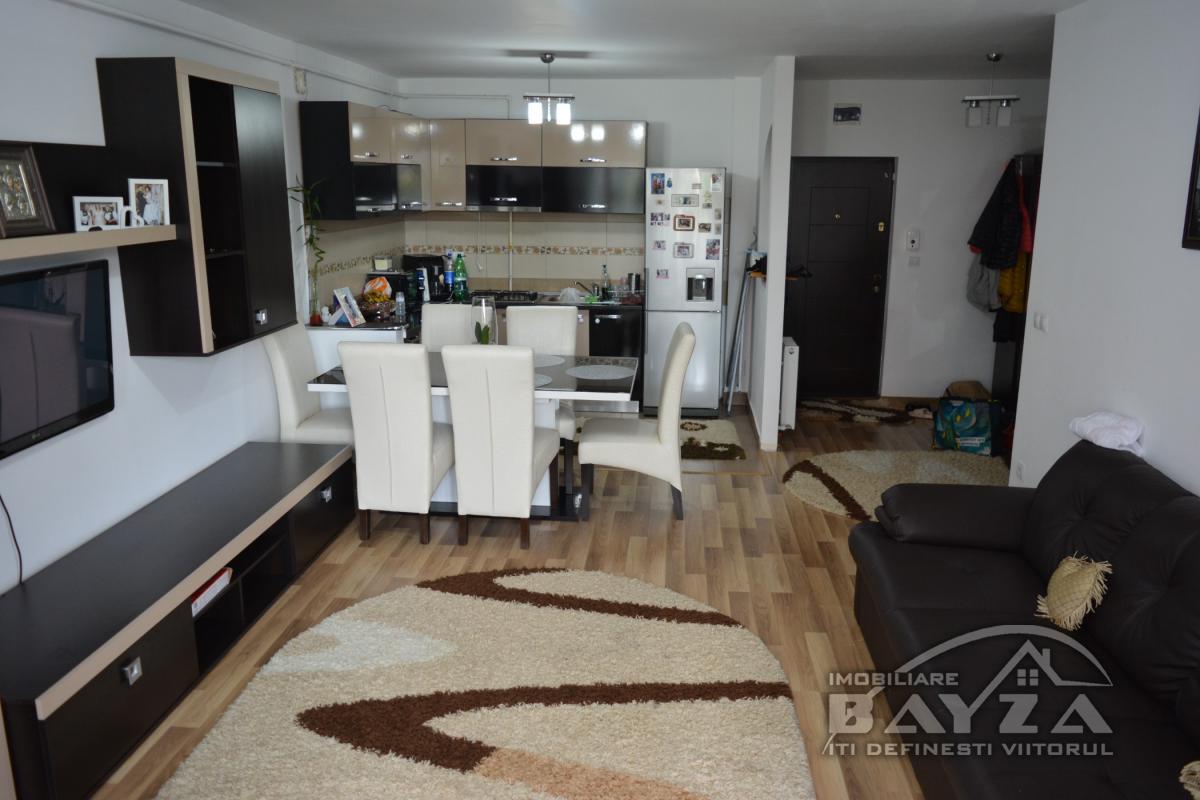 Pret: 68.000 EURO, Vanzare apartament 2 camere, zona Complex Europa