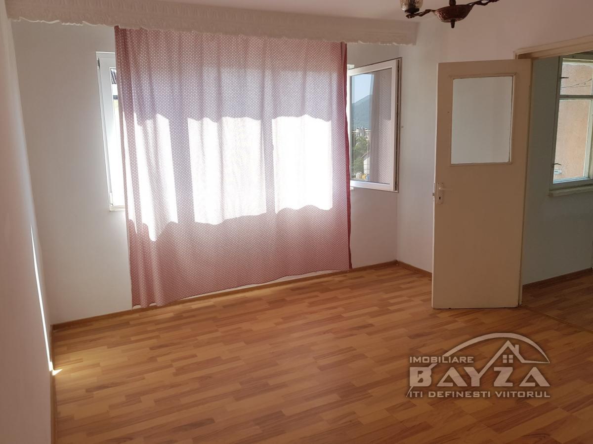 Pret: 32.000 EURO, Vanzare apartament 2 camere, zona Rapsodiei