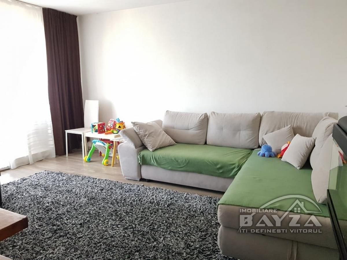 Pret: 56.000 EURO, Vanzare apartament 3 camere, zona Vitoriei - ''VIVO MALL''