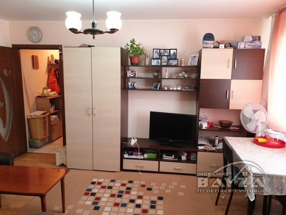 Pret: 38.000 EURO, Vanzare apartament 2 camere, zona Melodiei