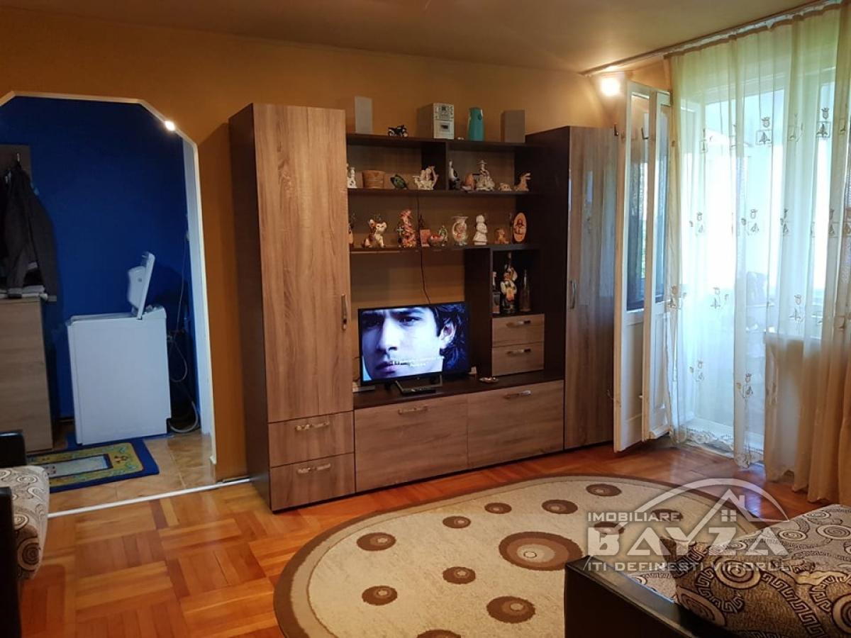 Pret: 54.500 EURO, Vanzare apartament 2 camere, zona Ciprian Porumbescu