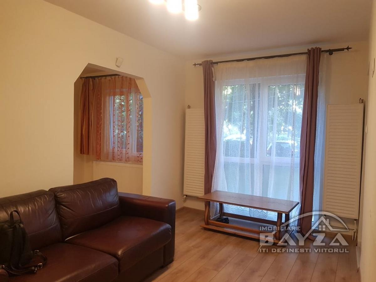 Pret: 32.500 EURO, Vanzare apartament 2 camere, zona Aleea Jupiter