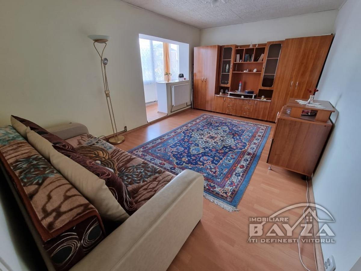 Pret: 53.000 EURO, Vanzare apartament 2 camere, zona Pasunii