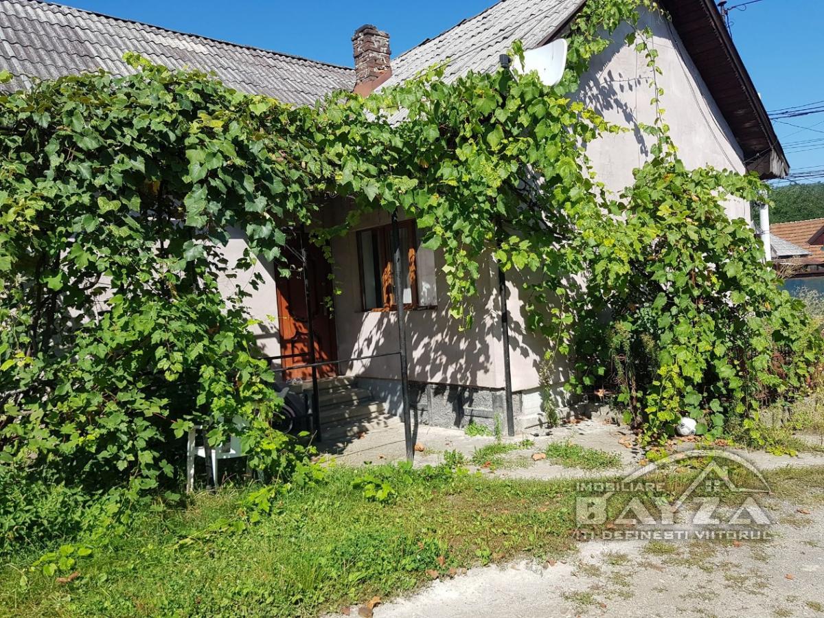 Pret: 100000 EURO, Vanzare casa 3 camere, zona Tautii de Sus