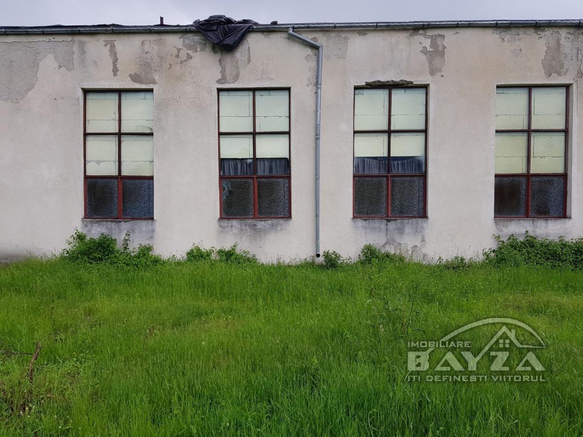 Pret: 50000 EURO, Vanzare spatiu / hala industriala, zona Berinta