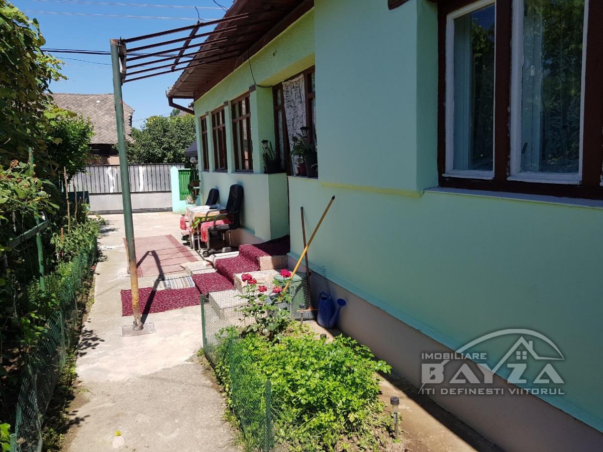 Pret: 27000 EURO, Vanzare casa 2 camere, zona Ocolis