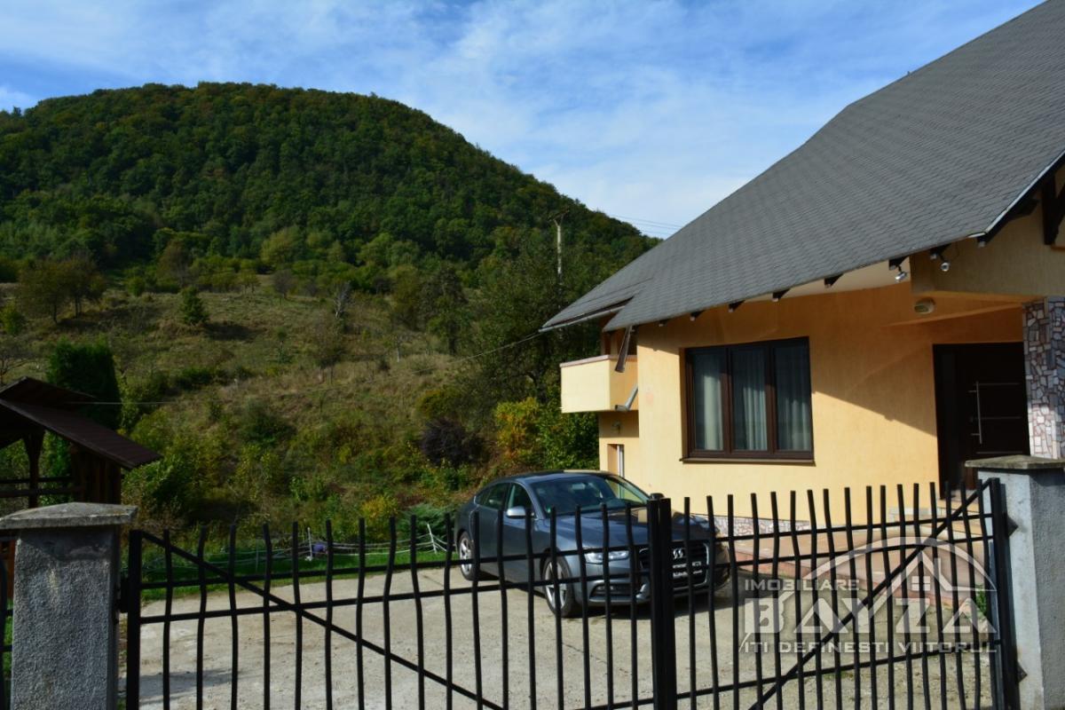 Pret: 120000 EURO, Vanzare casa 5 camere, zona Chiuzbaia