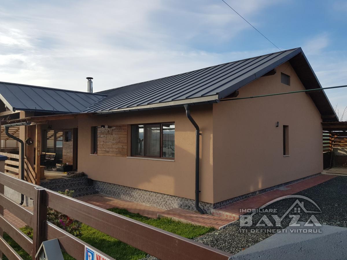 Pret: 161.000 EURO, Vanzare casa 4 camere, zona Tautii de Sus