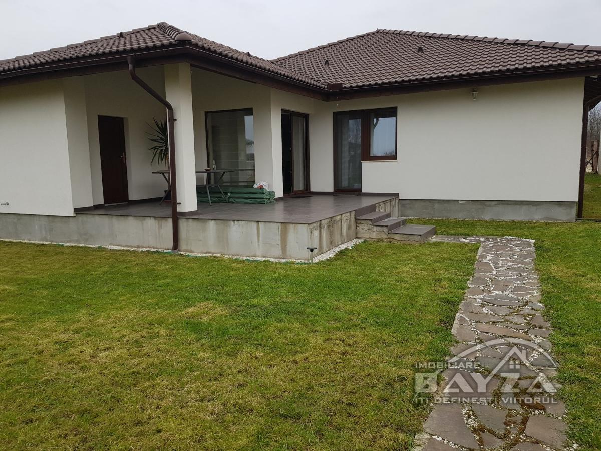 Pret: 190.000 EURO, Vanzare casa 3 camere, zona Dealul Grosului