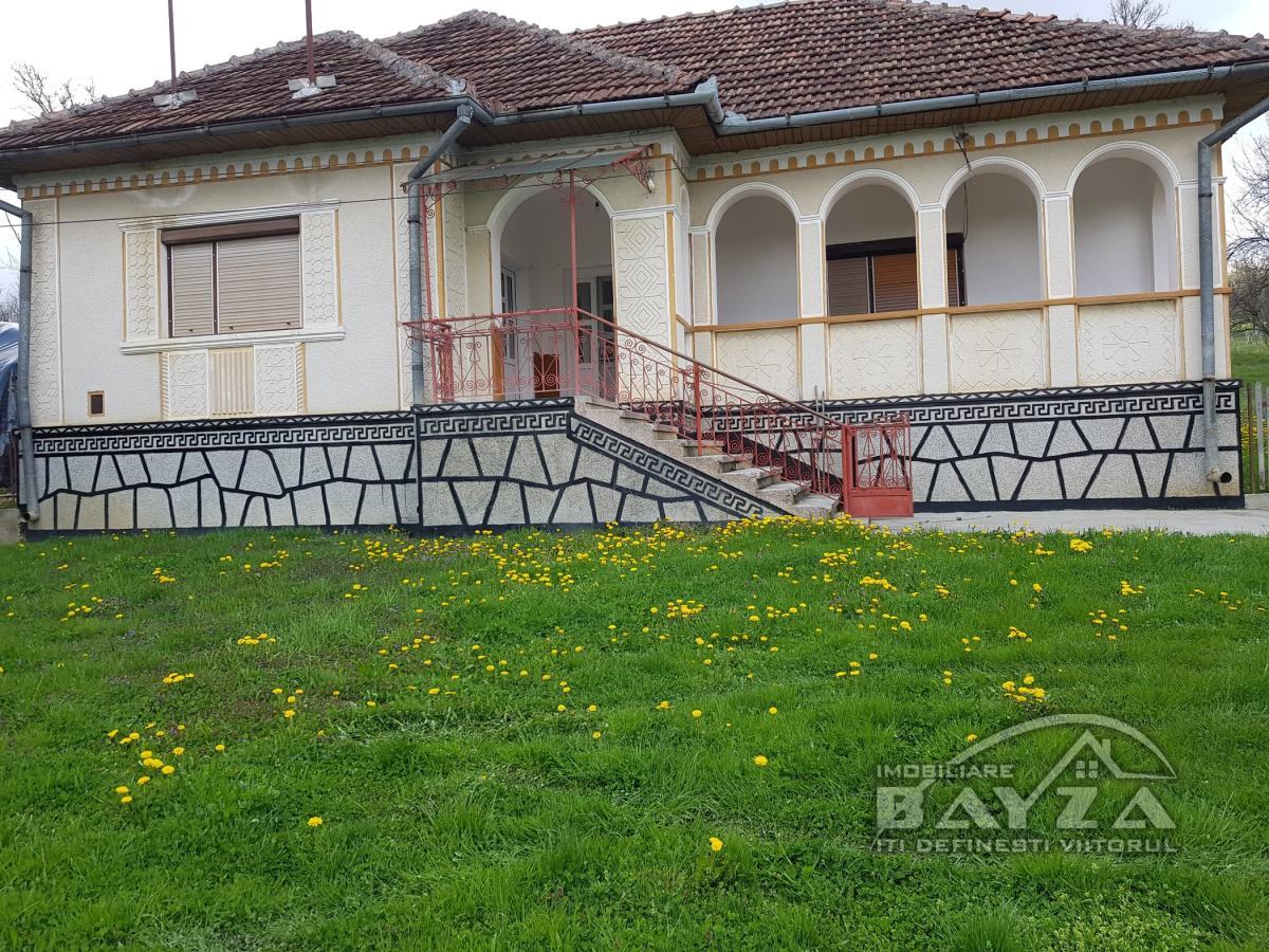 Pret: 39.900 EURO, Vanzare casa 3 camere, zona Valenii Somcutei