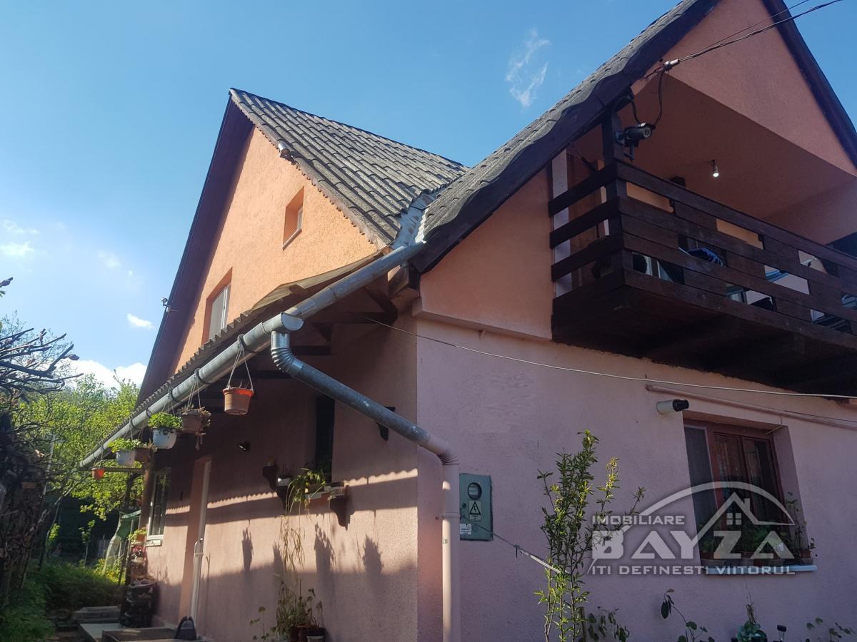 Pret: 83.000 EURO, Vanzare casa 5 camere, zona Grivitei