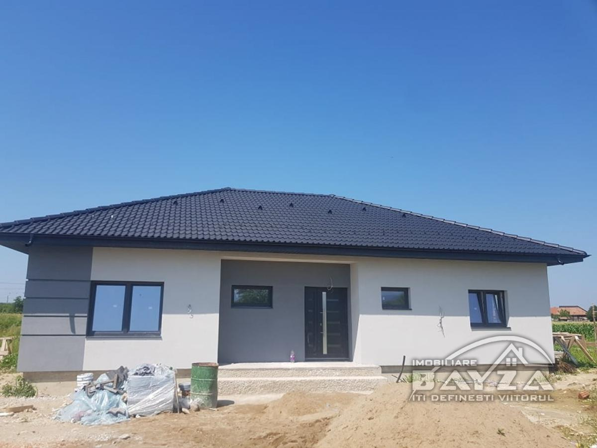 Pret: 120.000 EURO, Vanzare casa 4 camere, zona Sat Sasar