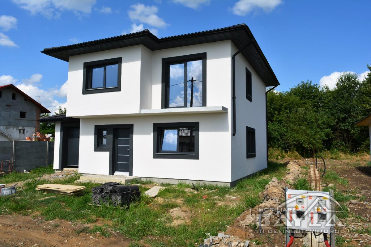 Pret: 80.000 EURO, Vanzare casa 4 camere, zona Dumbravei