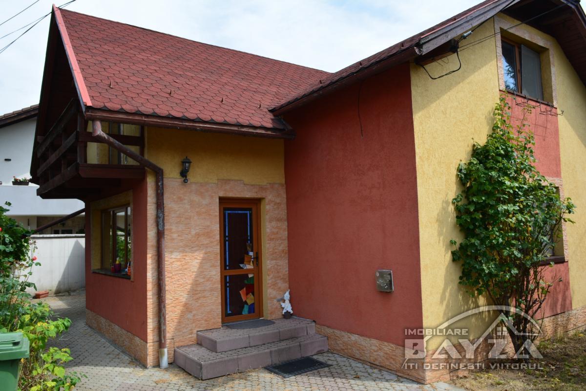 Pret: 125.000 EURO, Vanzare casa 5 camere, zona Grivitei -Baia Mare