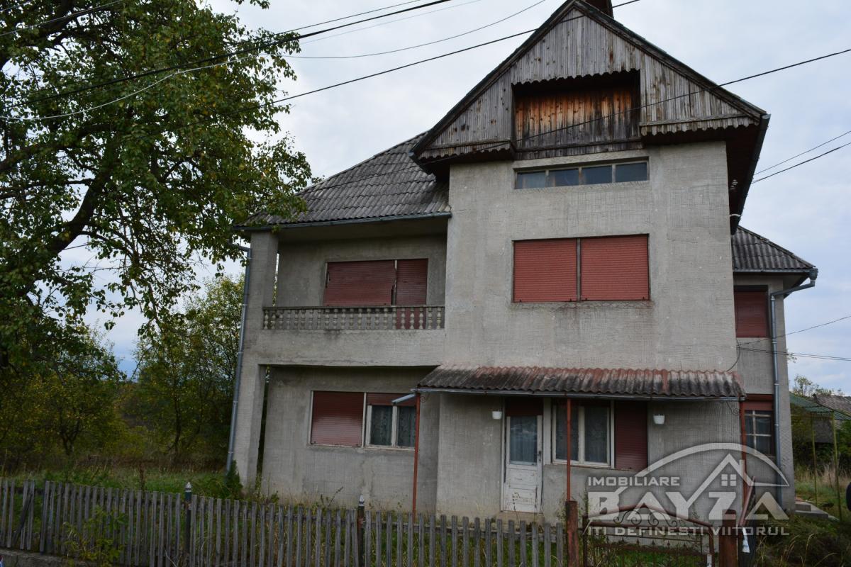 Pret: 49.000 EURO, Vanzare casa 6 camere, zona Berinta - Maramures