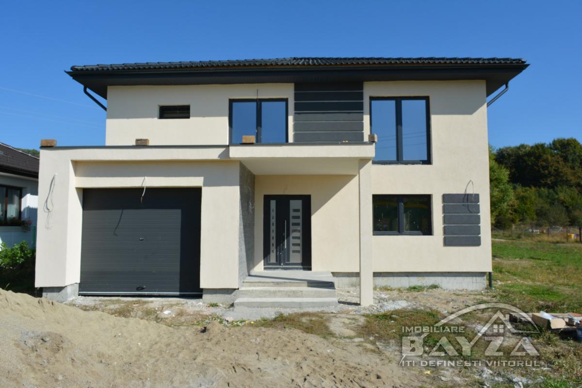 Pret: 176.000 EURO, Vanzare casa 5 camere, zona Tautii Magheraus