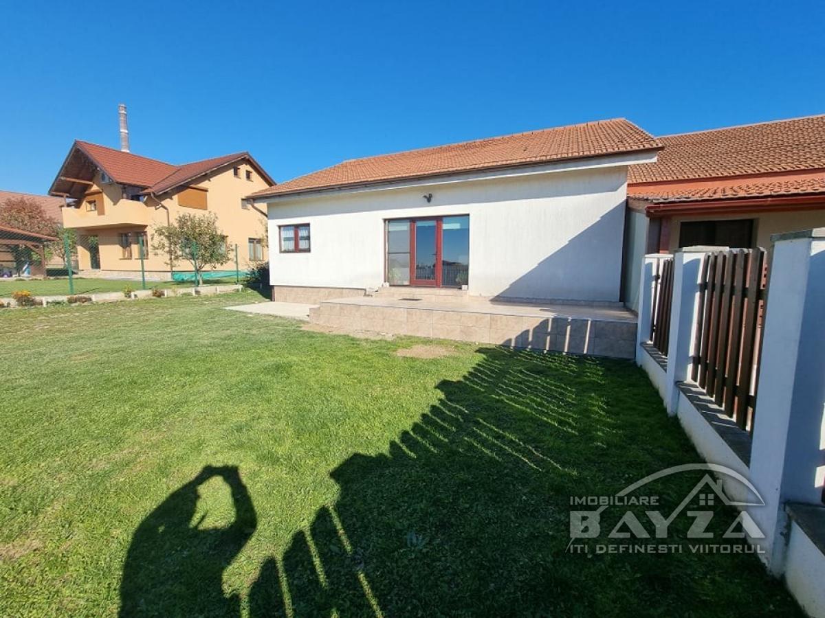 Pret: 125.000 EURO, Vanzare casa 3 camere, zona Sebesului