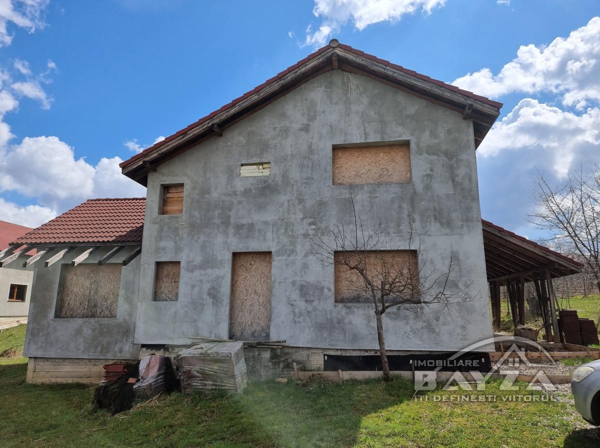 Pret: 37000 EURO, Vanzare casa 5 camere, zona Satu Nou De Sus