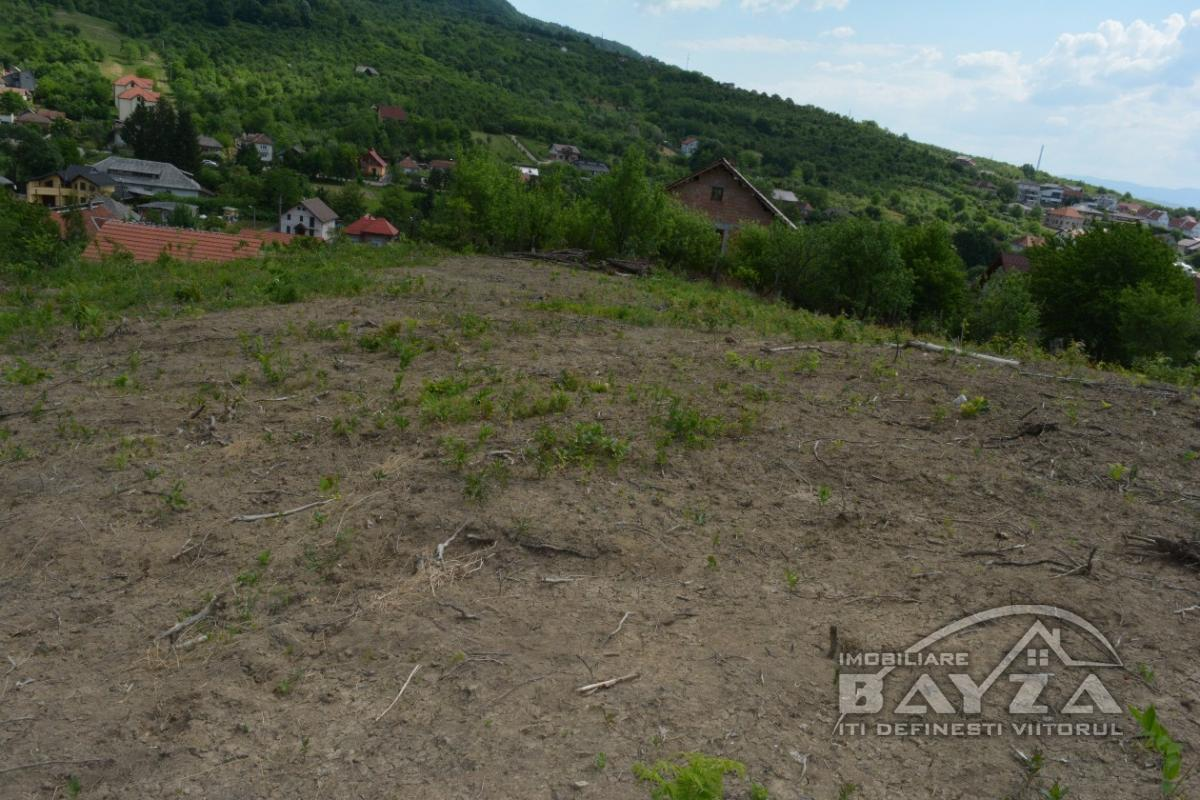 Pret: 2500 EURO, Vanzare teren, zona Aurel Vlaicu